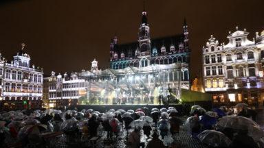 Le concert annuel de la FWB sur la Grand-Place s'est déroulé devant un public limité et sous la pluie