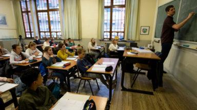 Caroline Désir écarte pour le moment toute fermeture généralisée des écoles
