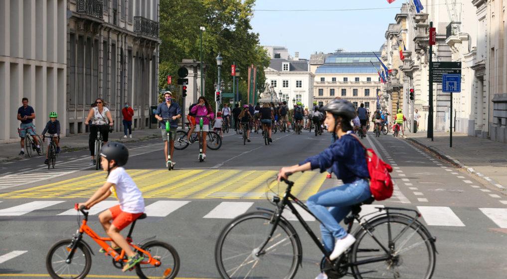 Greenpeace Bruxelles Lance Une Campagne Pour Plus De Journees Sans Voitures Bx1
