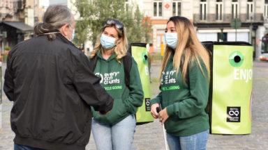 Every Can Counts : une équipe de sensibilisation au tri et au recyclage des canettes a circulé à Bruxelles