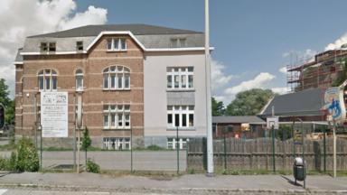Molenbeek : l'enseignant mis à pied pour une caricature de Mahomet conteste la décision devant le Conseil d'État
