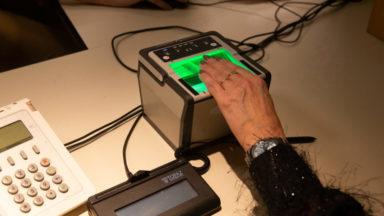 Les empreintes digitales désormais enregistrées sur les nouvelles cartes d'identité délivrées à Bruxelles