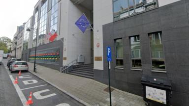 Arrêt de l'IVG : manifestation devant l'ambassade de Pologne à Bruxelles
