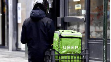 Carrefour collabore avec Uber Eats pour la livraison de courses à domicile