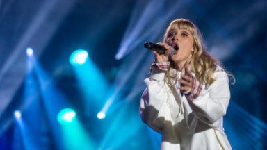 """Angèle remporte le prix des MTV EMA Awards pour la """"meilleure performance belge"""""""