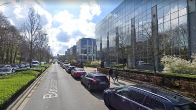 Périmètre de sécurité mis en place après une alerte à la bombe près de la Plaine à Ixelles