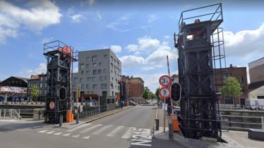 Molenbeek : le pont des Hospices rouvert à la circulation mais à sens unique pour les voitures