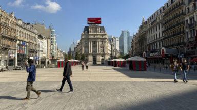L'enseigne lumineuse Coca-Cola de la place De Brouckère va bientôt disparaître