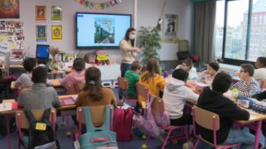 Le nombre de cas de covid-19 est en diminution dans les écoles grâce aux congés d'automne