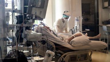 """Dans le pays, """"il reste 106 places en soins intensifs"""", prévient Philippe Devos (ABSyM)"""