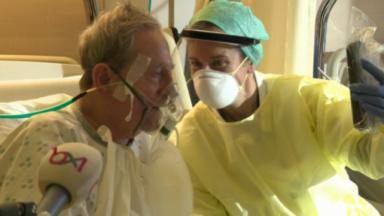 """Coronavirus : le """"relais famille"""" permet aux patients hospitalisés de garder le contact avec leurs proches"""