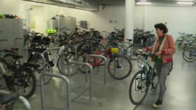 Les travailleurs viennent de plus en plus à vélo