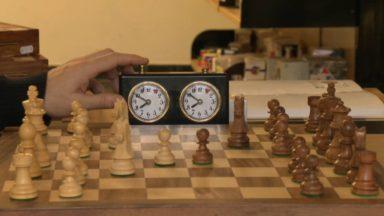 """La mini-série """"Le jeu de la dame"""" booste les ventes des jeux d'échecs et les parties en ligne"""