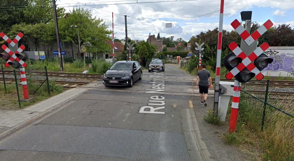 Rue Nestor Martin Passage à niveau - Berchem-Sainte-Agathe - Google Street View