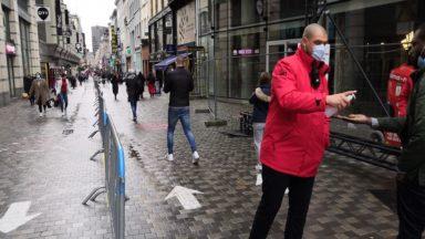 Rue Neuve : l'accès via la place de la Monnaie est fermé en raison d'une forte affluence