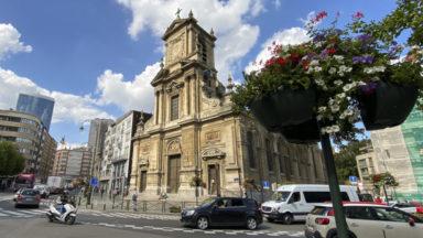 """Saint-Josse entame sa distribution de chèques """"Consommons local et solidaire"""""""