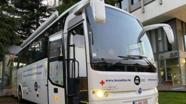 Coronavirus : la Croix-Rouge met en service le premier bus de testing à Bruxelles