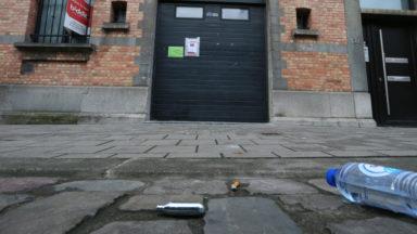 La police arrête une lockdown party d'une centaine de personnes dans un entrepôt à Laeken
