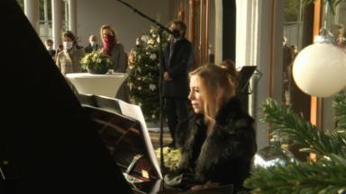 La reine Mathilde assiste à un concert donné par la Chapelle musicale à la clinique Sans Souci