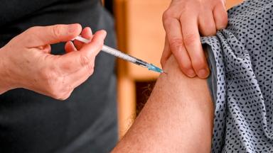 Les Bruxellois de plus de 65 ans peuvent demander une 3e dose de vaccin dès lundi, sans convocation