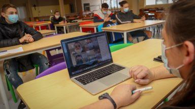 """Caroline Désir : """"Chaque école doit tenter de maximiser la présence des élèves"""""""
