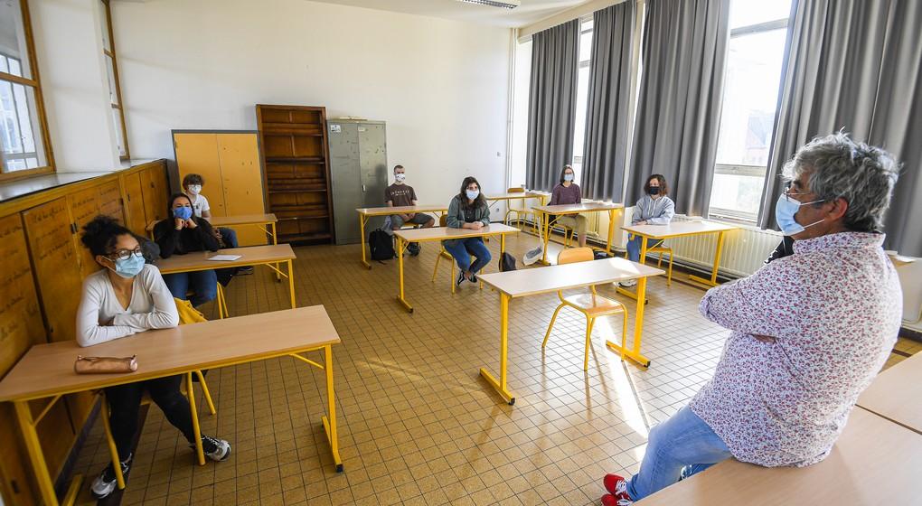 Classe secondaire école Etterbeek Athénée Royal Jean Absil - Belga Laurie Dieffembacq