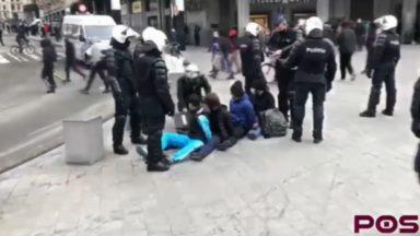 86 mineurs arrêtés dimanche à Bruxelles : des manifestants témoignent de violences policières