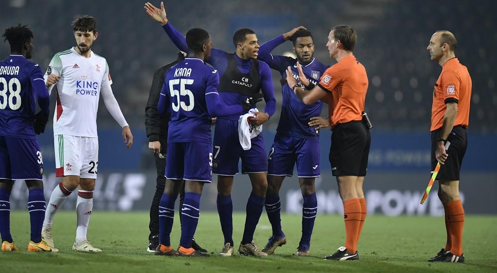 OHL - RSC Anderlecht Lukas Nmecha arbitre - Belga Virginie Lefour