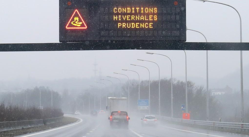 Ring de Bruxelles Météo Neige Conditions Hivernales Routes Glissantes - Belga Virginie Lefour