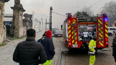 Bruxelles-Ville : le toit de Bozar prend feu, un pompier hospitalisé