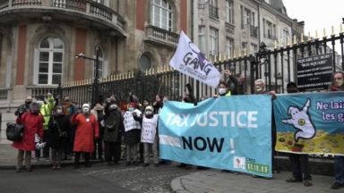 Manifestation contre les inégalités entre riches et pauvres au square des Milliardaires à Bruxelles