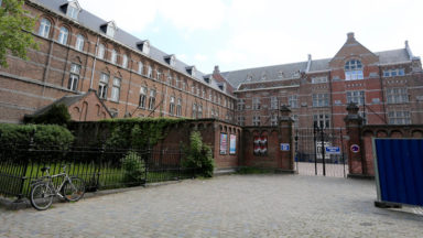 Fermeture du collège St-Michel : la commune d'Etterbeek prend des mesures supplémentaires