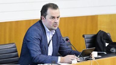 Neutralité des services publics : Christophe Magdalijns (DéFI) souhaite déposer une proposition d'ordonnance