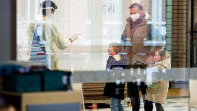 Coronavirus : le nombre de cas se stabilise dans les écoles
