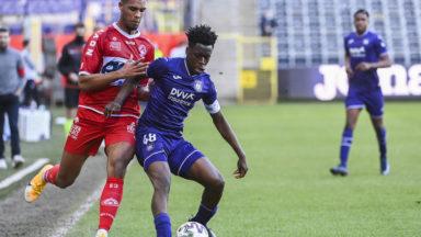 Football: Anderlecht s'incline à domicile contre Courtrai (0-2)