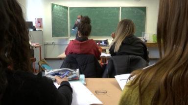 Les écoles néerlandophones rouvriront en partie après les vacances de printemps