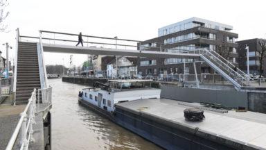 Une nouvelle passerelle à hauteur variable pour traverser le canal