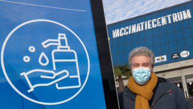 Alain Maron (Ecolo) souhaite baser la campagne de vaccination sur l'âge uniquement