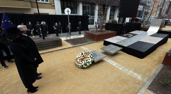 Roi Philippe Reine Mathilde Hommage Victimes Attentats Schuman - Belga Benoit Doppagne