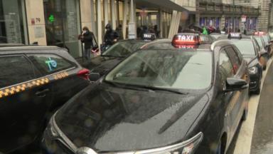 Taxis et Uber dos à dos dans les rues de Bruxelles ce jeudi