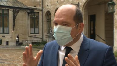 La longueur du couvre-feu à Bruxelles divise la classe politique