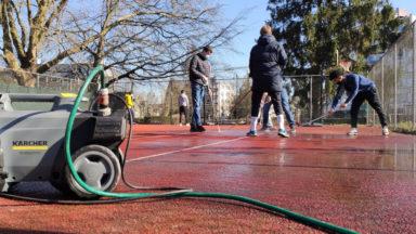 Jette : pour jouer en extérieur, des basketteurs investissent un terrain de tennis