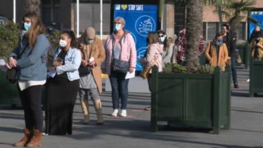 Vaccination : deux heures d'attente au centre du Heysel ce lundi