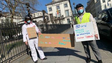 """""""Marche des Mamies"""" : elles manifestent pour un changement dans la stratégie de vaccination"""