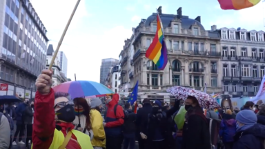 Homicide à Beveren : la communauté LGBTQI+ rend hommage à David Polfliet devant la Bourse