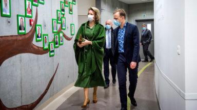 UZ Brussel : la Reine Mathilde visite le service de pédopsychiatrie, sous pression suite au Covid