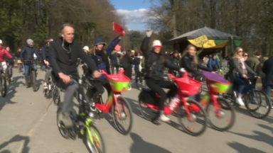 Cycle for Freedom : des cyclistes se rassemblent au Bois de la Cambre pour réclamer un déconfinement