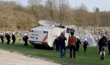 Bois de la Cambre : 22 arrestations et plusieurs dizaines de blessés lors de l'évacuation (vidéos)