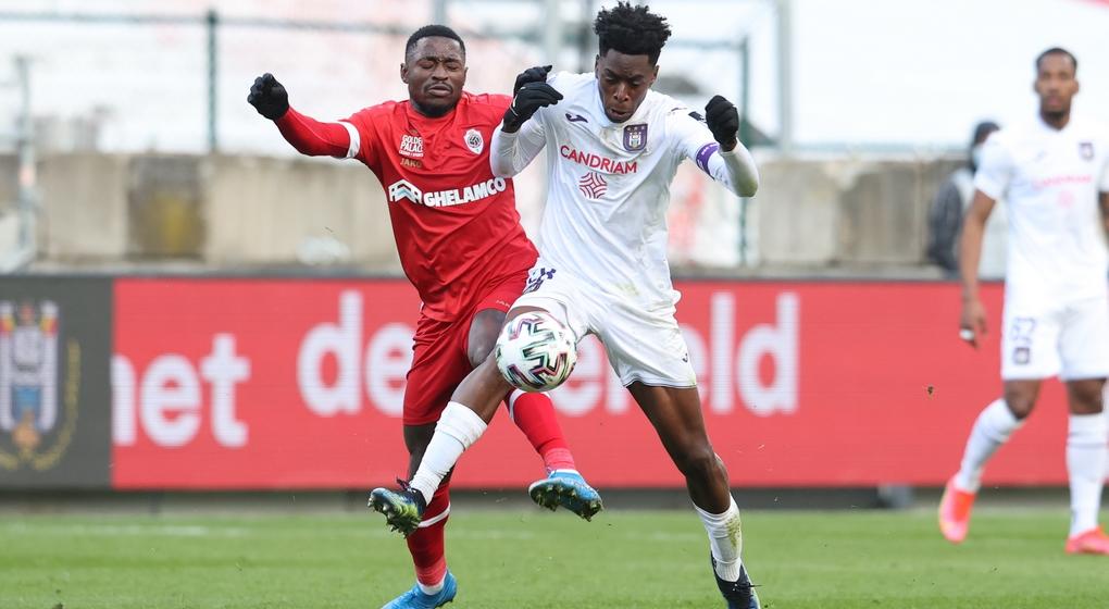 Duel Martin Hongla Albert Sambi Lokonga - Antwerp RSC Anderlecht - Belga Virginie Lefour