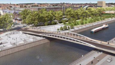 Bruxelles : le pont Suzan Daniel va être posé au-dessus du canal dès ce jeudi